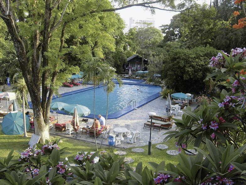 Garden lodge in pattaya meier39s weltreisen for Katzennetz balkon mit hotel pattaya garden thailand