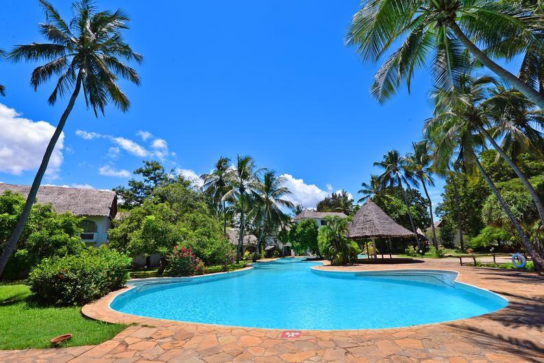Leisure Lodge Beach Amp Golf Resort In Diani Beach Meier S