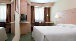 NH Barajas Hotel