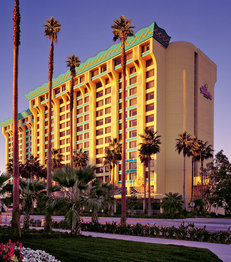 Disney`s Paradise Pier Hotel