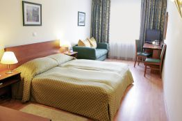 City Hotel Deutschmeister & Apartments