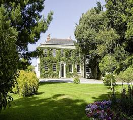 Rose-In-Vale Country House