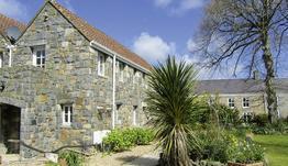 Les Piques Country Cottages