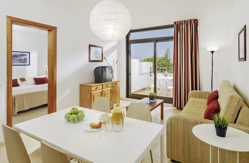 h10 suites lanzarote gardens costa teguise buchen bei With katzennetz balkon mit h10 lanzarote gardens buchen