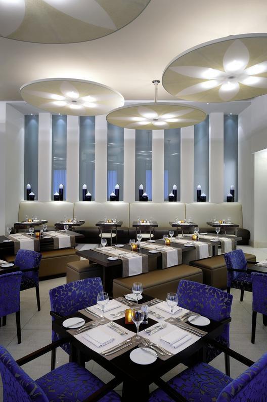 Novotel deira city center deira buchen bei dertour for Trendige hotels