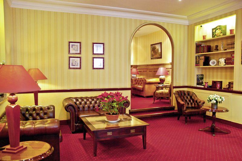 hotel du pr paris buchen bei dertour. Black Bedroom Furniture Sets. Home Design Ideas