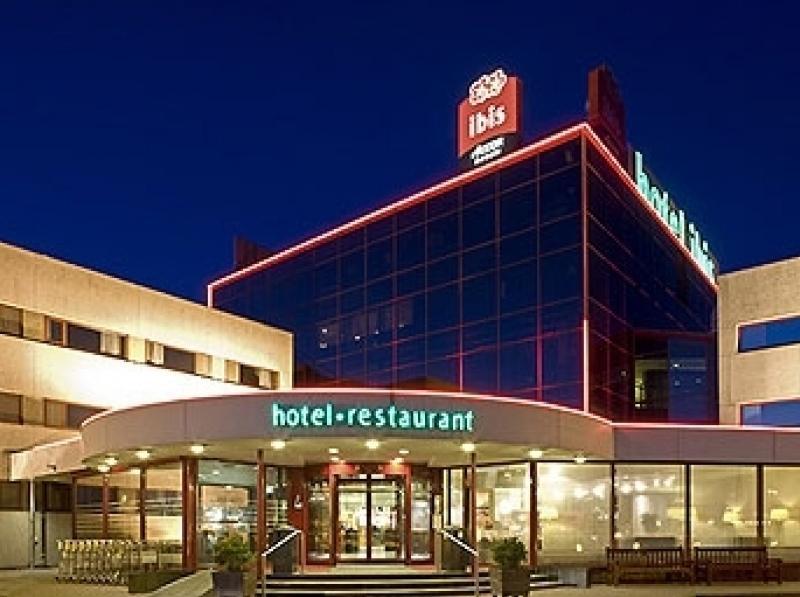 Ibis amsterdam airport amsterdam buchen bei dertour for Ibis hotel amsterdam