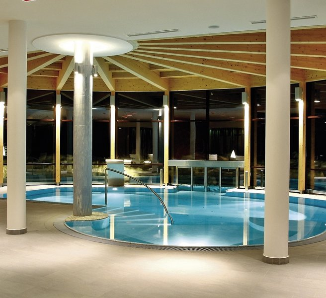 Spa hotel zedern klang hopfgarten buchen bei dertour for Designhotel zedern klang