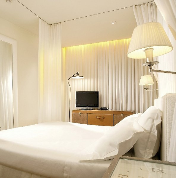 Hotel continentale florenz buchen bei dertour for Designhotel florenz