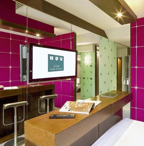Una hotel vittoria florenz buchen bei dertour for Designhotel florenz