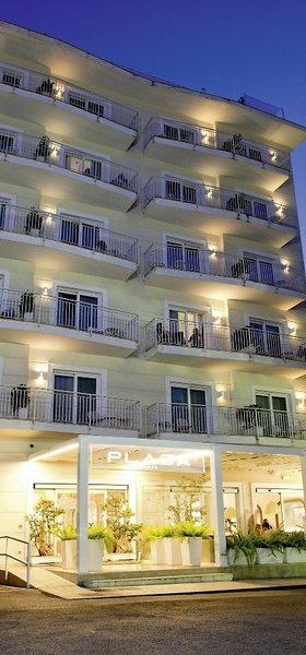 hotel plaza sorrento sorrent buchen bei dertour. Black Bedroom Furniture Sets. Home Design Ideas