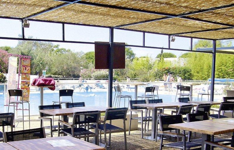 r 233 sidence lagrange vacances club de camarg port