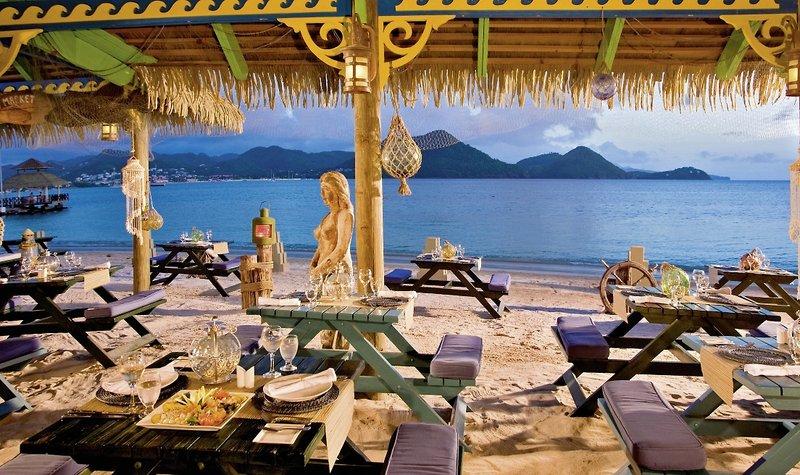 Sandals grande st lucian spa beach resort gros islet for Indische schirme