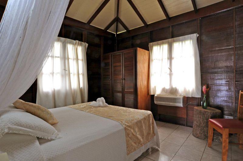 Sensational Picard Beach Cottages In Dominica Meiers Weltreisen Download Free Architecture Designs Scobabritishbridgeorg