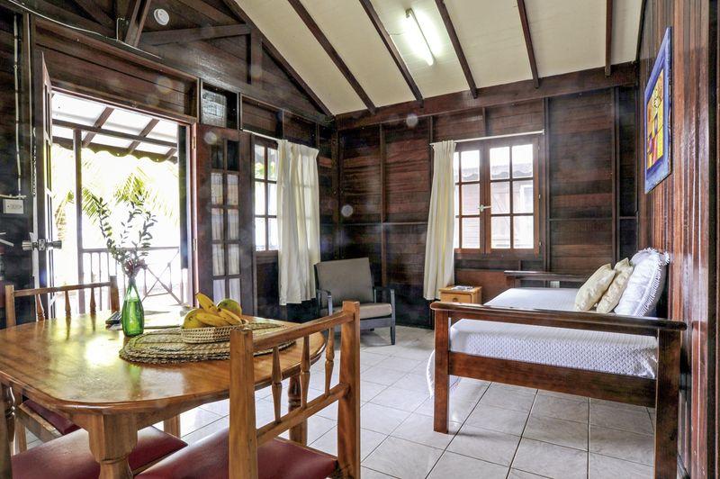 Pleasing Picard Beach Cottages In Dominica Meiers Weltreisen Download Free Architecture Designs Scobabritishbridgeorg