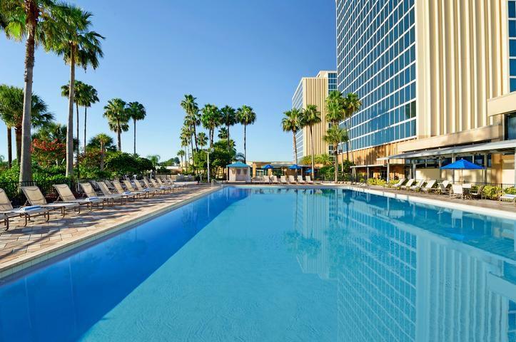 Doubletree Hotel Entrance To Universal Orlando In Orlando Meier S